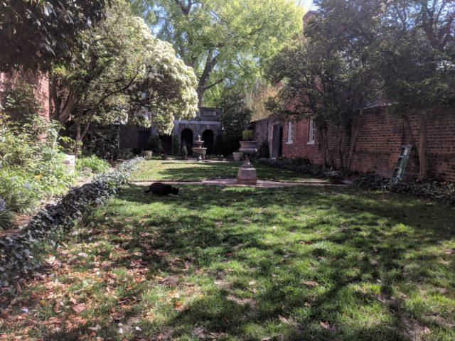 Poe - Courtyard